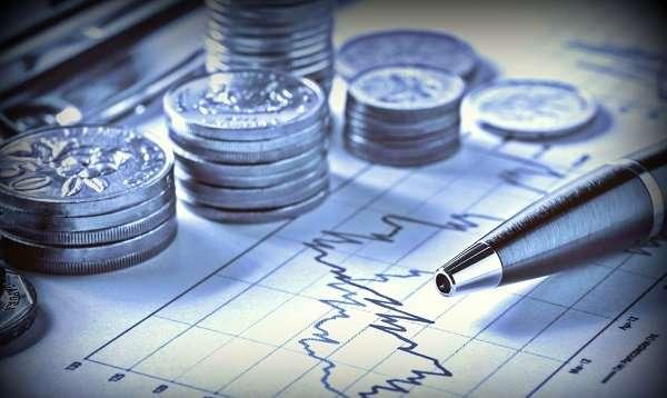 В этой статье будет подробно и простыми словами рассказано, что такое инвестиции, и какими проверенными способами стоит вкладывать деньги в инвестирование.